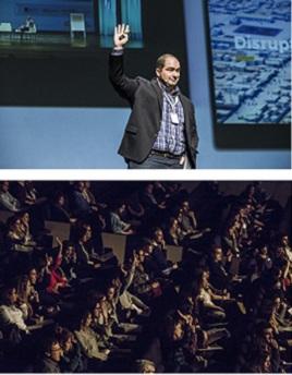 Stuart Campo en el escenario durante su intervención ante un aforo muy completo.