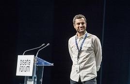 Nacho Torre en el escenario durante su intervención en Diseña Forum.