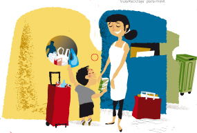 Niño con su madre tirando envases en el contenedor amarillo (reciclaje de plásticos)