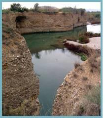 Imagen de la Peña del Cuervo en el ríoGállego.
