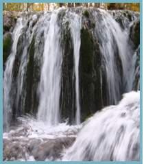 Imagen del azud de Bijuesca en el río Manubles.